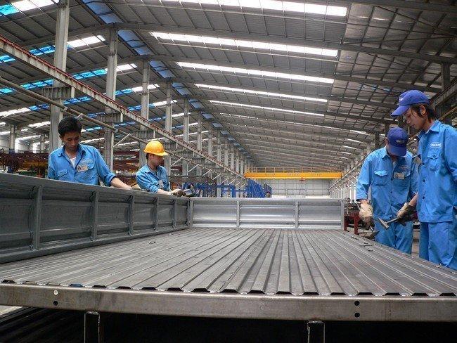 Việt Nam điều tra tự vệ phôi thép và thép dài nhập khẩu